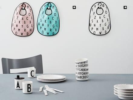 AJ Lätzchen von Design Letters