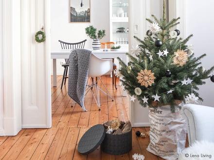 Lena Living Weihnachtsbaum schmücken
