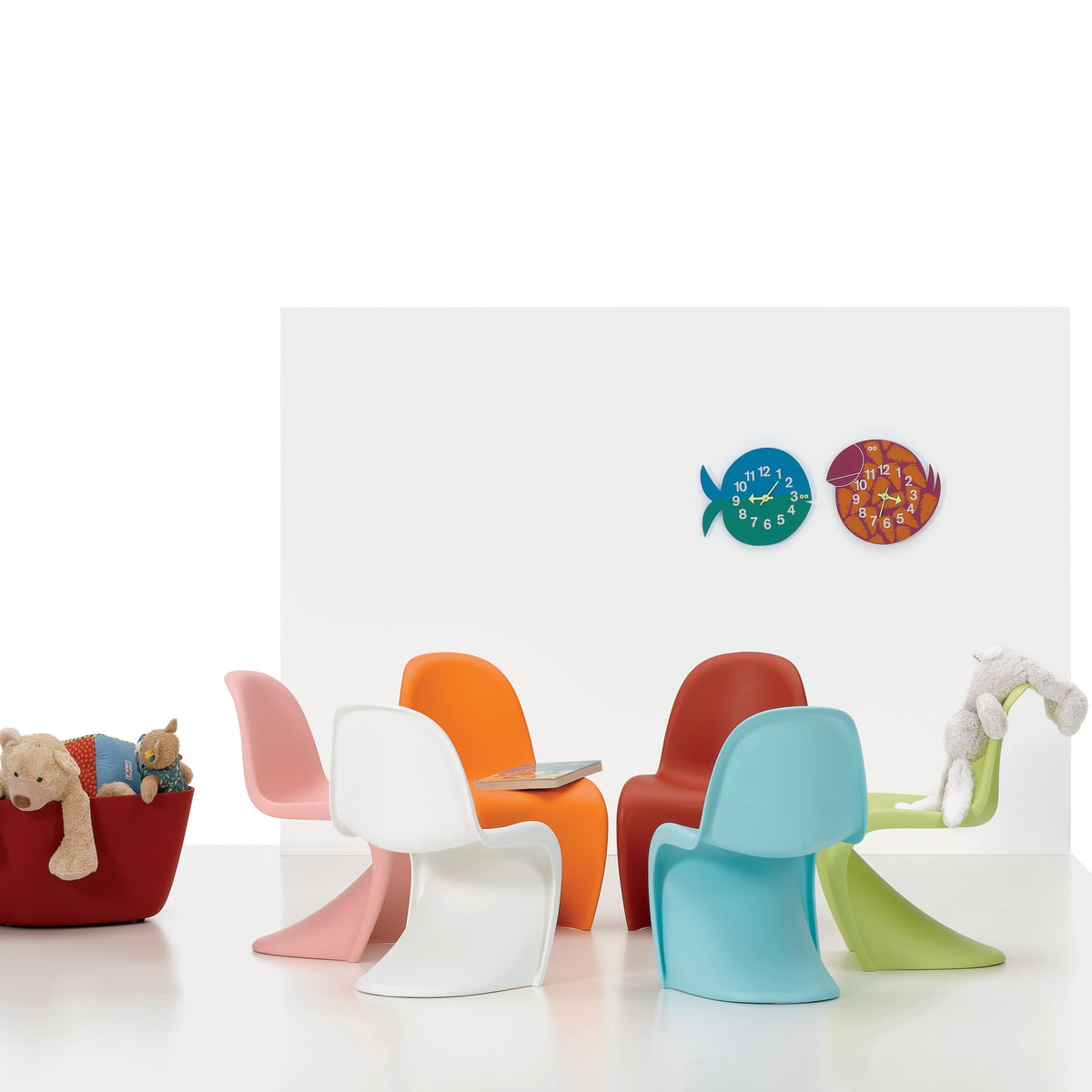 panton junior von vitra im shop. Black Bedroom Furniture Sets. Home Design Ideas