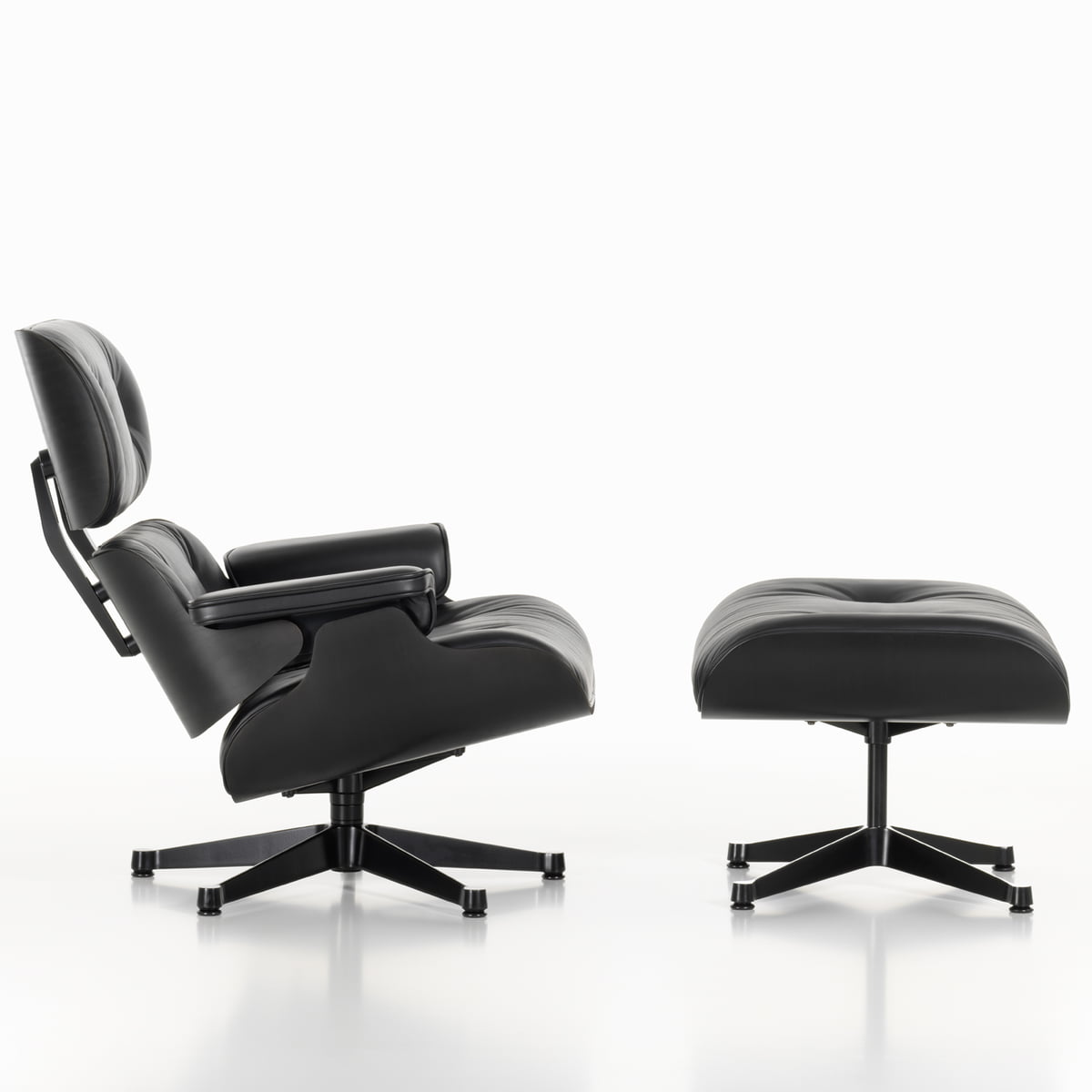 lounge chair ottoman in schwarzer esche. Black Bedroom Furniture Sets. Home Design Ideas