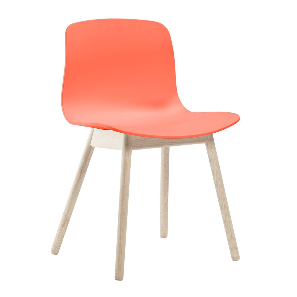 About A Chair AAC 12 von Hay in Eiche geseift / Korallenrot