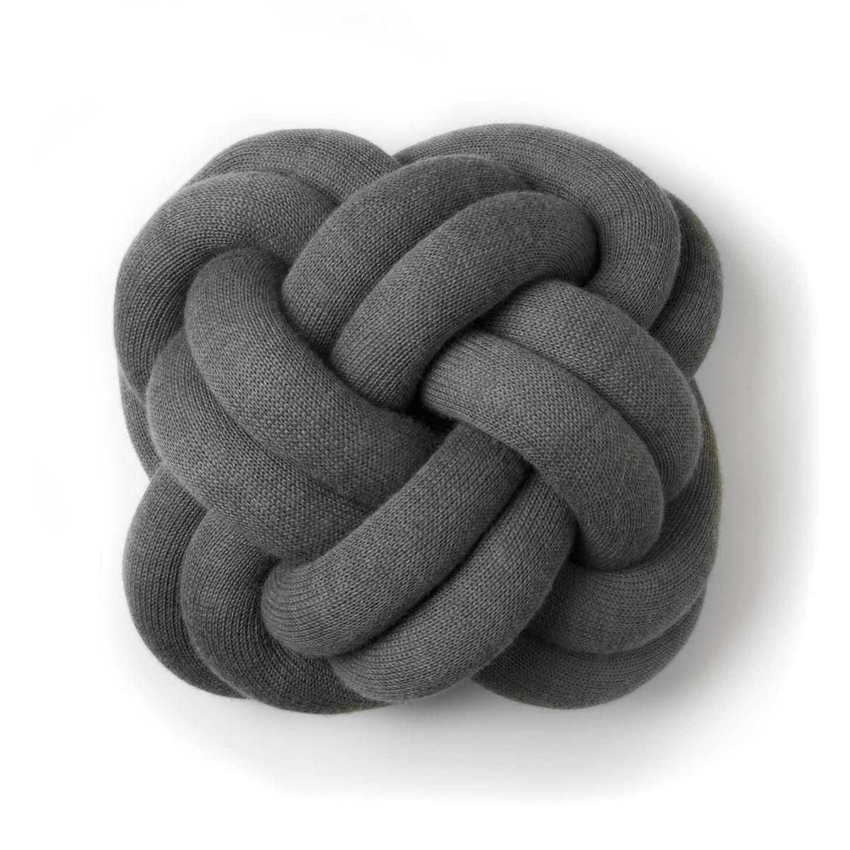 knot kissen von design house stockholm. Black Bedroom Furniture Sets. Home Design Ideas