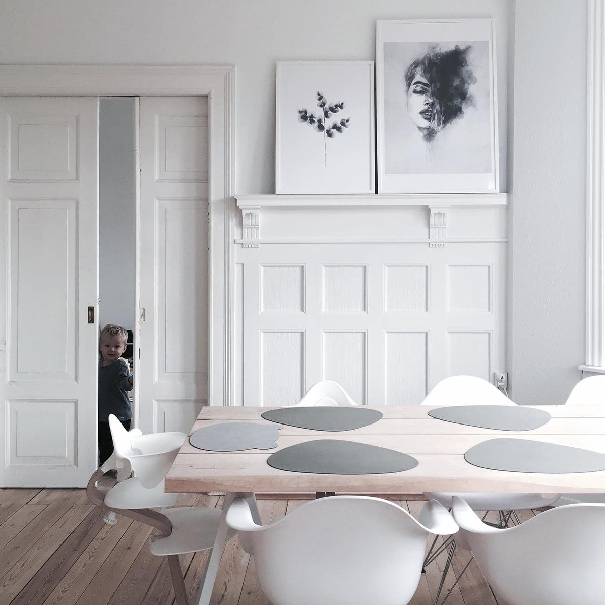 wolken platzset f r kinder von linddna. Black Bedroom Furniture Sets. Home Design Ideas