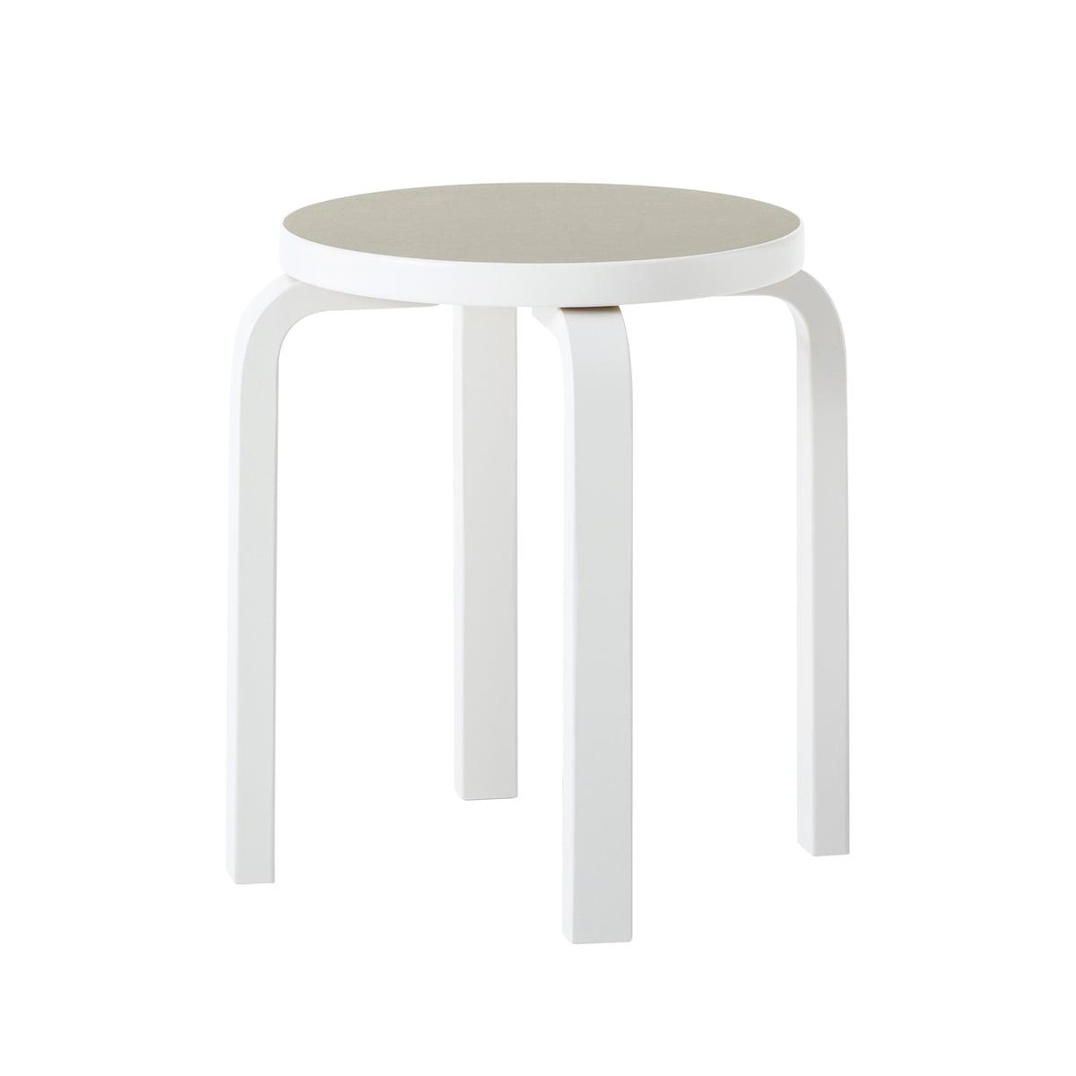 60 hocker finnland 100 von artek connox. Black Bedroom Furniture Sets. Home Design Ideas