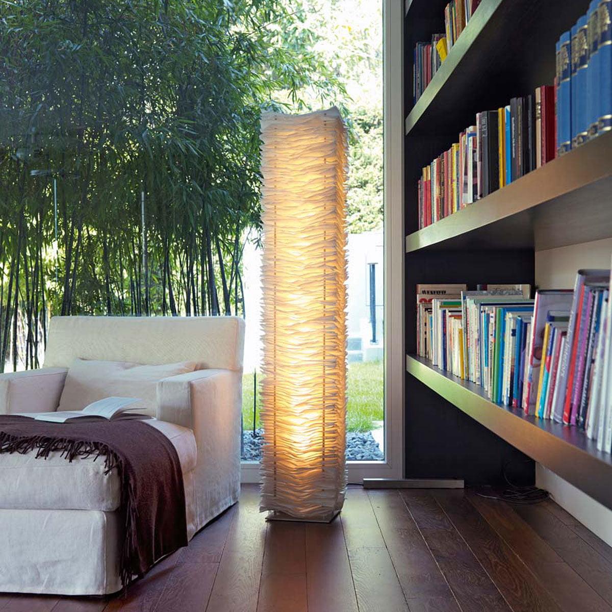 one by one stehleuchte von belux connox. Black Bedroom Furniture Sets. Home Design Ideas