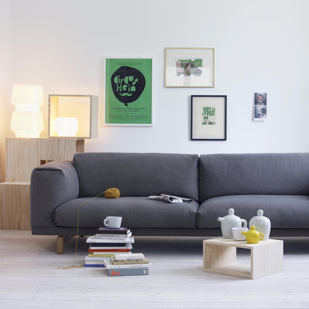 rest sofa 2 sitzer von muuto connox. Black Bedroom Furniture Sets. Home Design Ideas