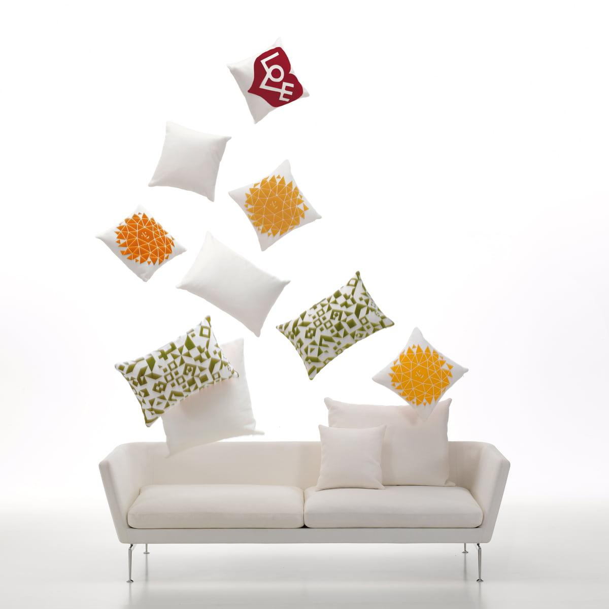 alexander girard love kissen von vitra. Black Bedroom Furniture Sets. Home Design Ideas