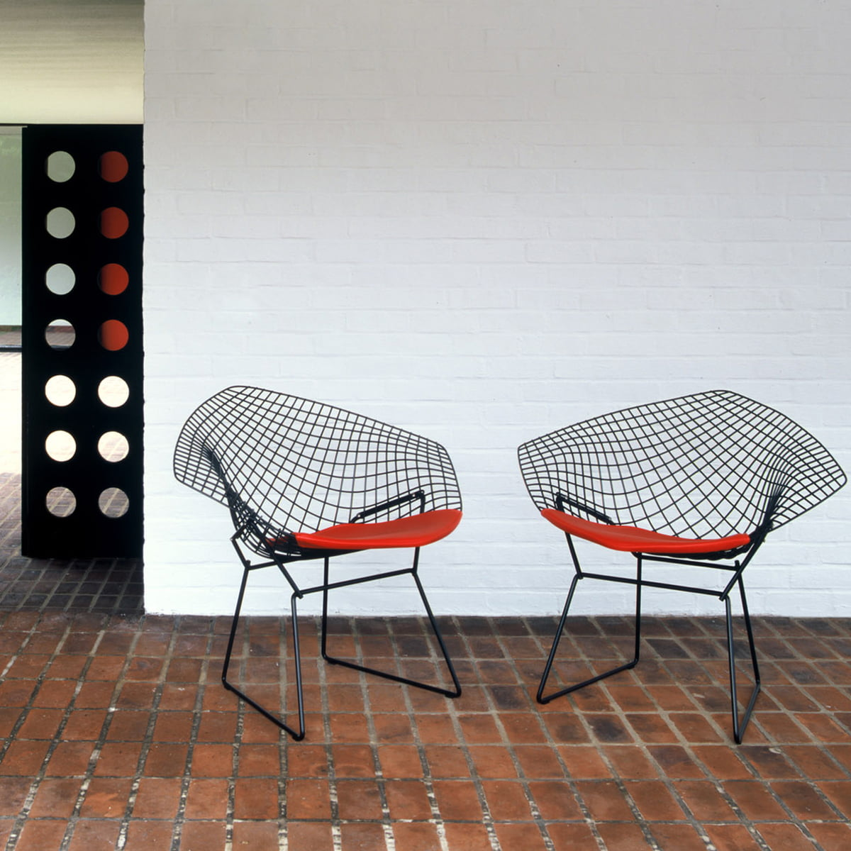 bertoia diamond sessel von knoll connox. Black Bedroom Furniture Sets. Home Design Ideas