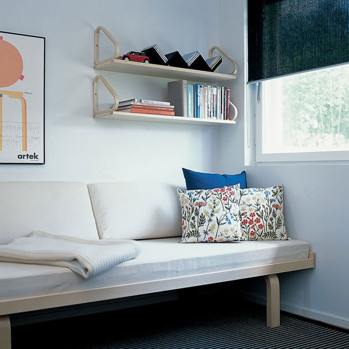 daybed 710 von artek connox. Black Bedroom Furniture Sets. Home Design Ideas
