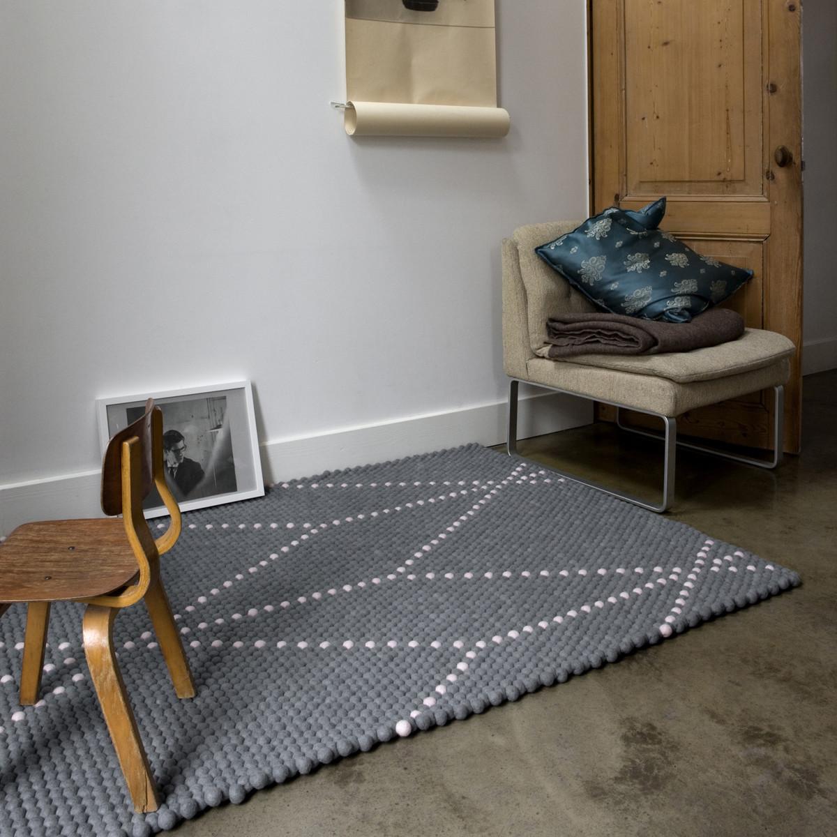 s b dot carpet hay shop. Black Bedroom Furniture Sets. Home Design Ideas