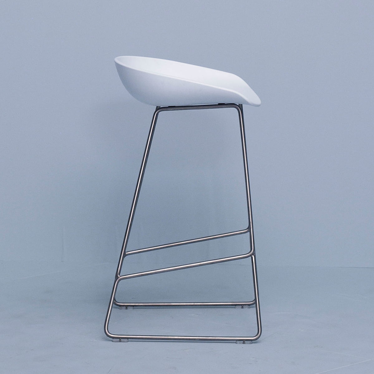About A Stool Aas 38 Von Hay Connox