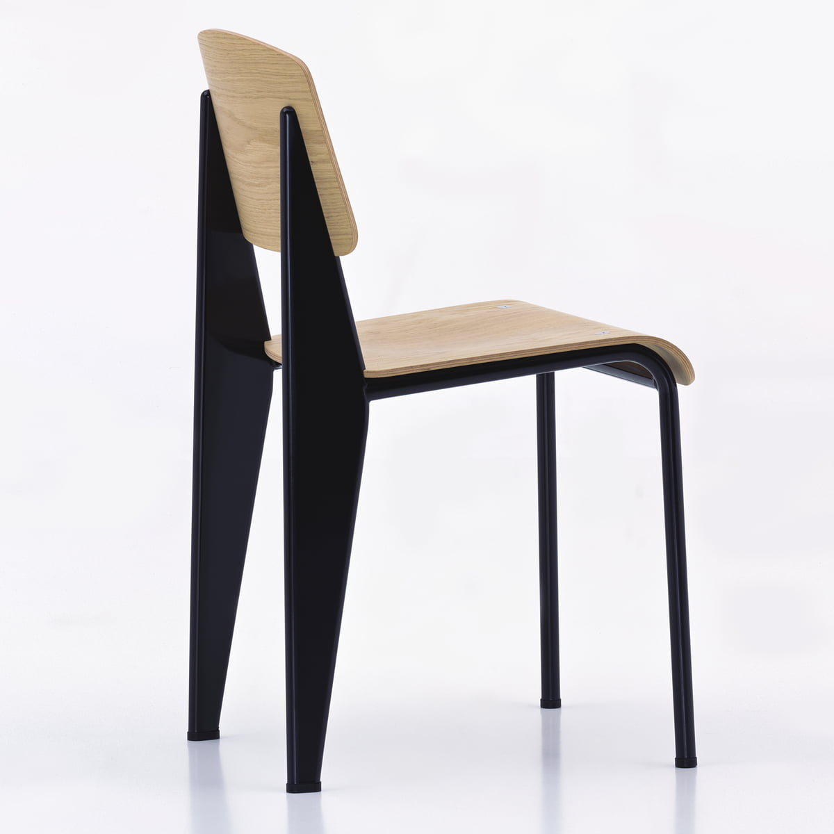 prouv standard stuhl von vitra im shop connox. Black Bedroom Furniture Sets. Home Design Ideas