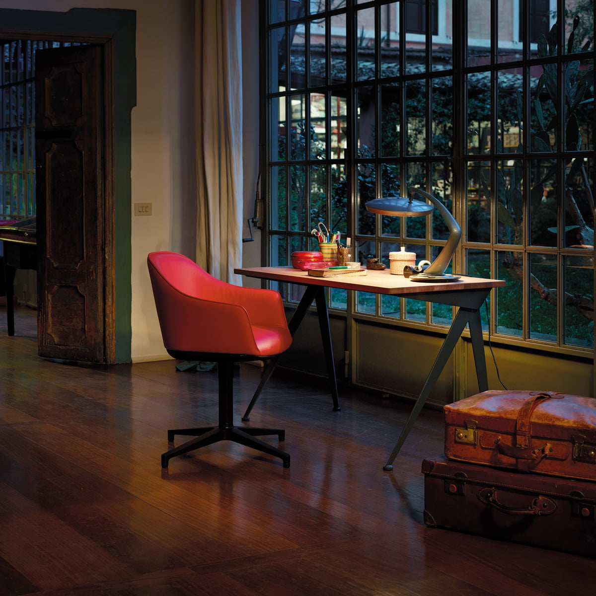 Vitra - Softshell Chair, Vierbeinfuß basic dark, Moss graphitschwarz