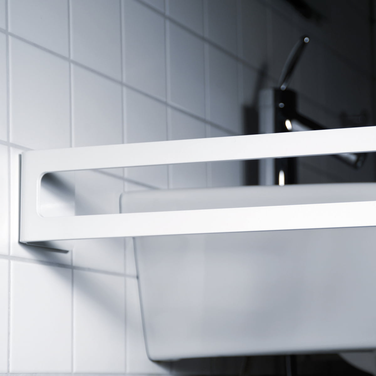 Puro Handtuchhalter Waschbecken von Radius Design