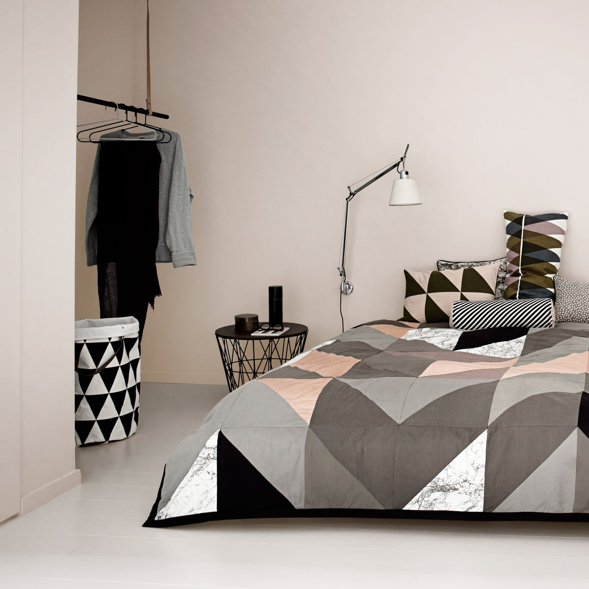 ferm living wire basket medium im shop. Black Bedroom Furniture Sets. Home Design Ideas