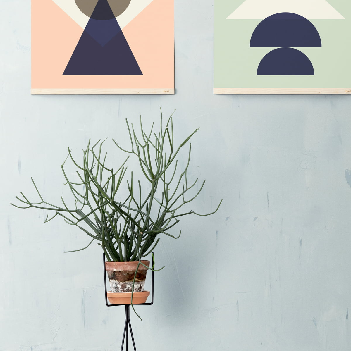 plant stand von ferm living im shop. Black Bedroom Furniture Sets. Home Design Ideas