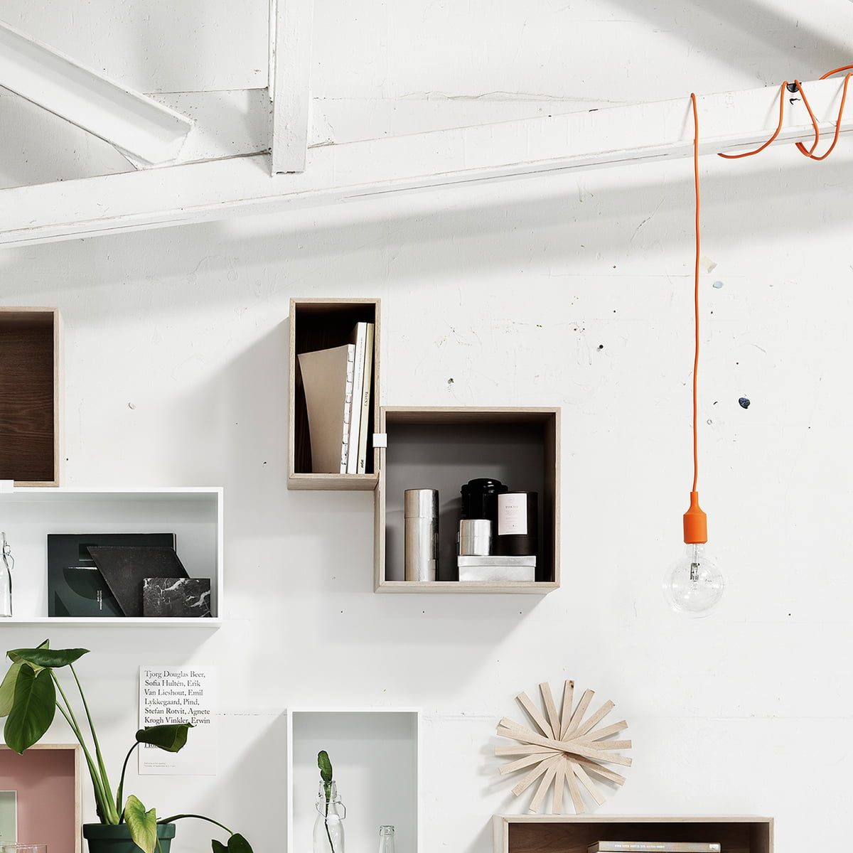 e27 socket led pendelleuchte von muuto connox. Black Bedroom Furniture Sets. Home Design Ideas