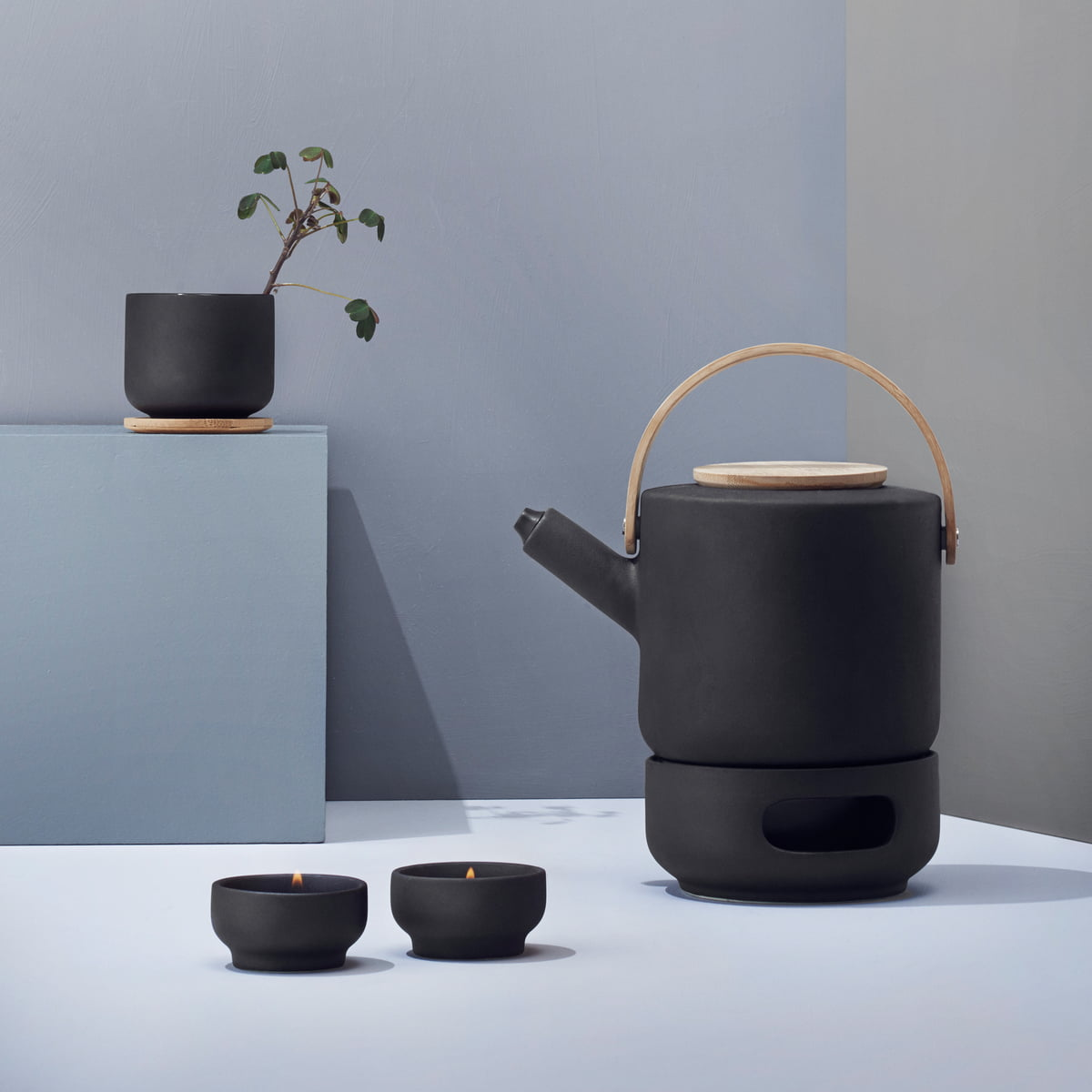 theo teekanne von stelton im wohndesign shop. Black Bedroom Furniture Sets. Home Design Ideas