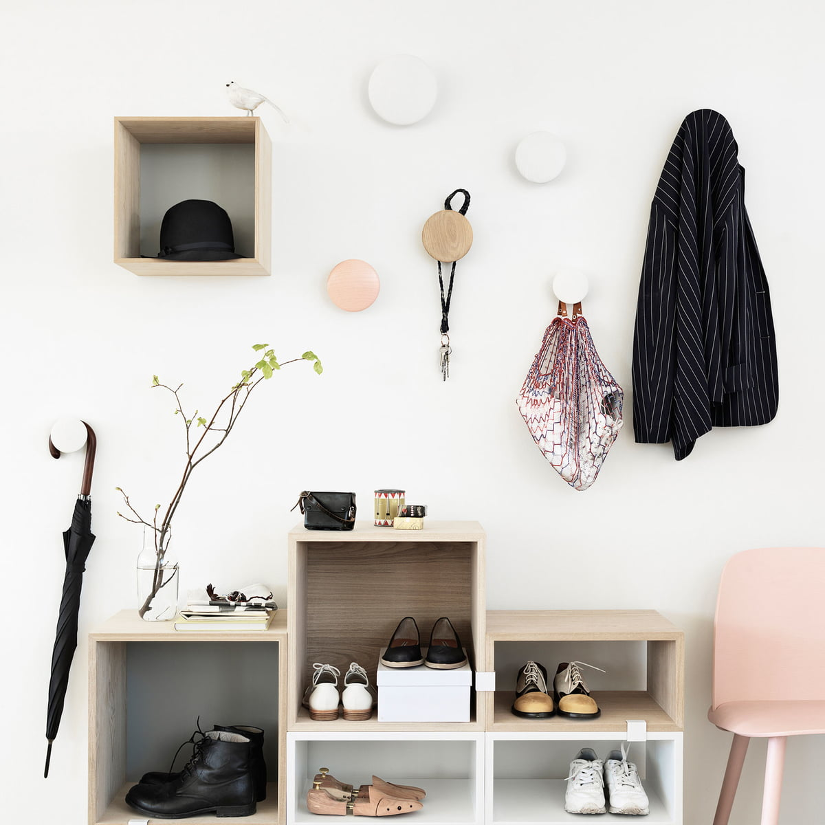 wandhaken sets the dots von muuto im shop. Black Bedroom Furniture Sets. Home Design Ideas