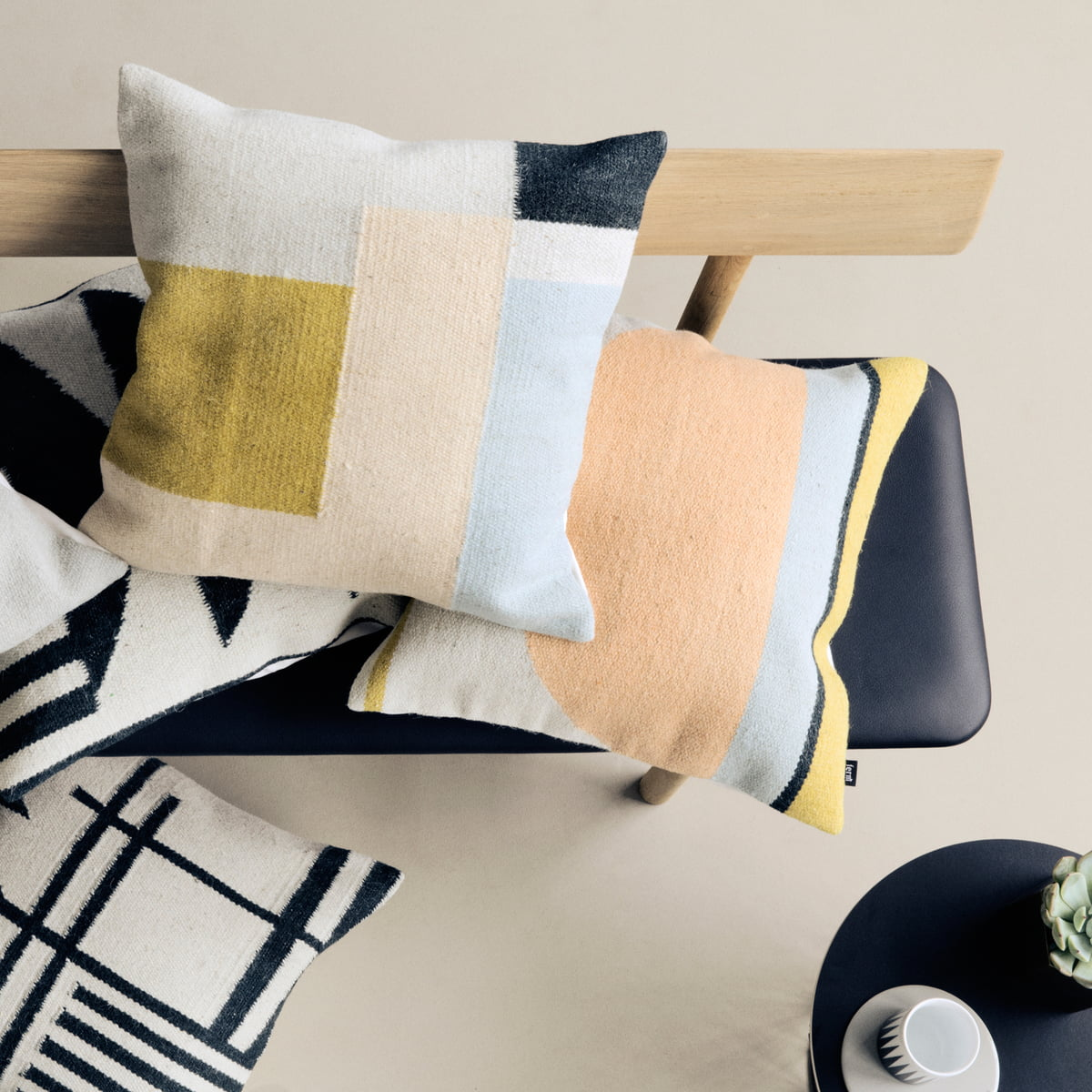 Moderne Kissenbezüge kelim cushion ferm living im shop