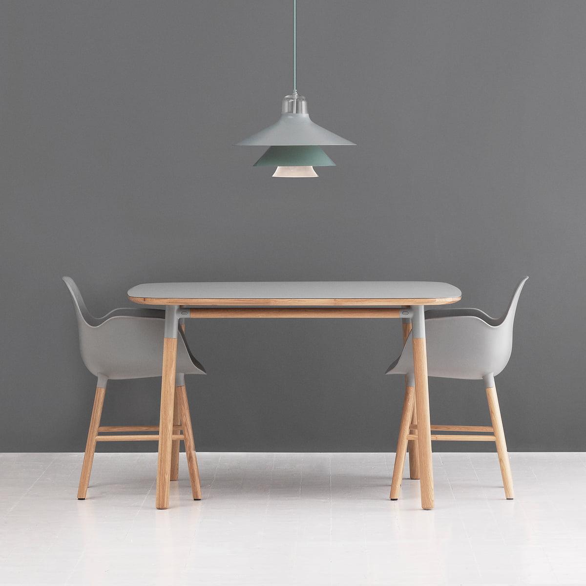 Form armlehnstuhl holz von normann copenhagen for Designer armlehnstuhl