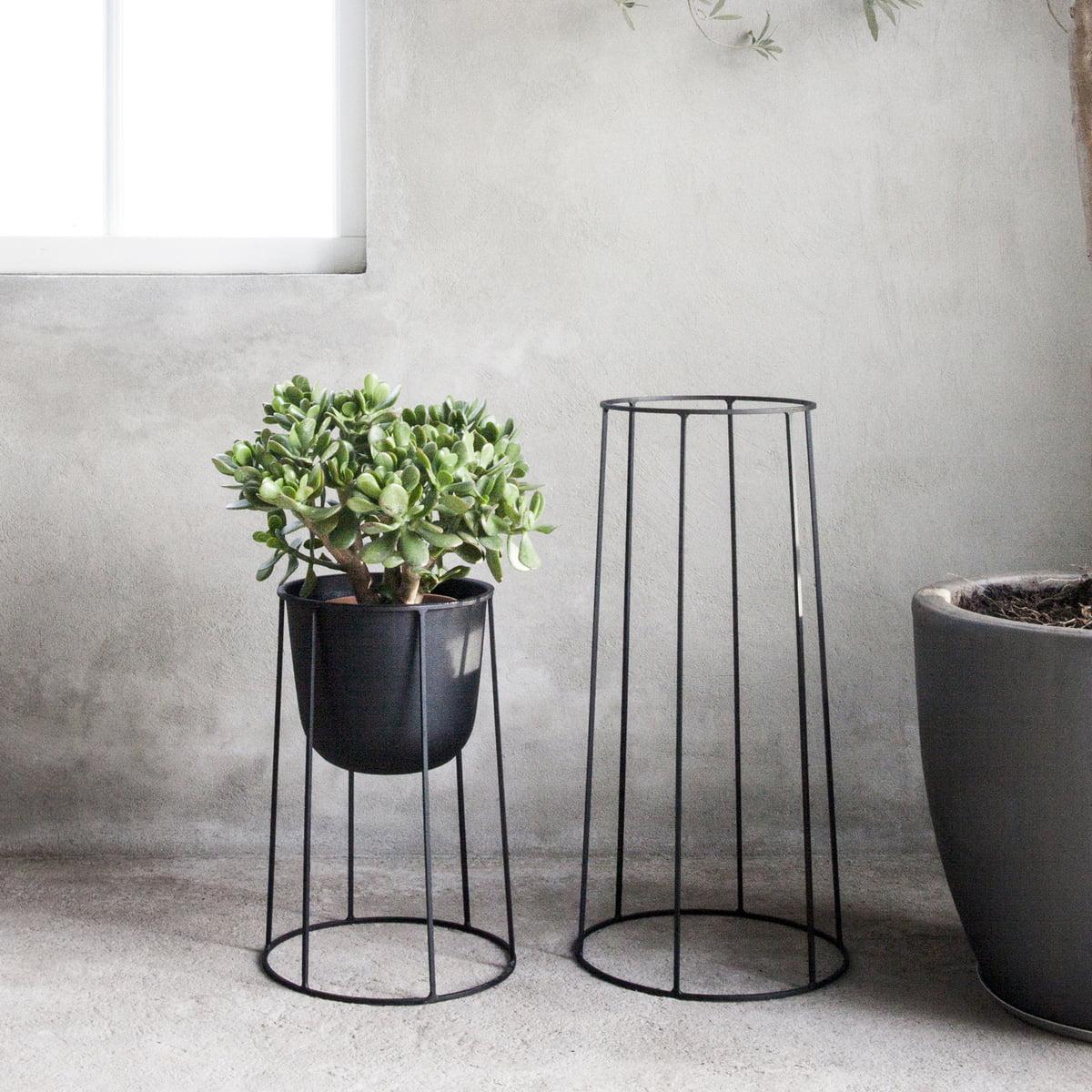 wire base von menu im wohndesign shop. Black Bedroom Furniture Sets. Home Design Ideas