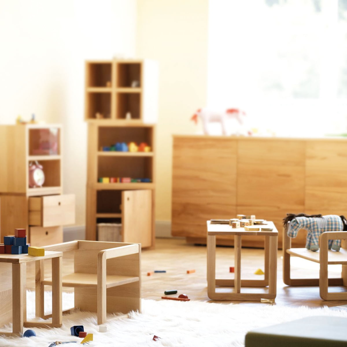 kindertisch kindersessel hugo von jan kurtz. Black Bedroom Furniture Sets. Home Design Ideas