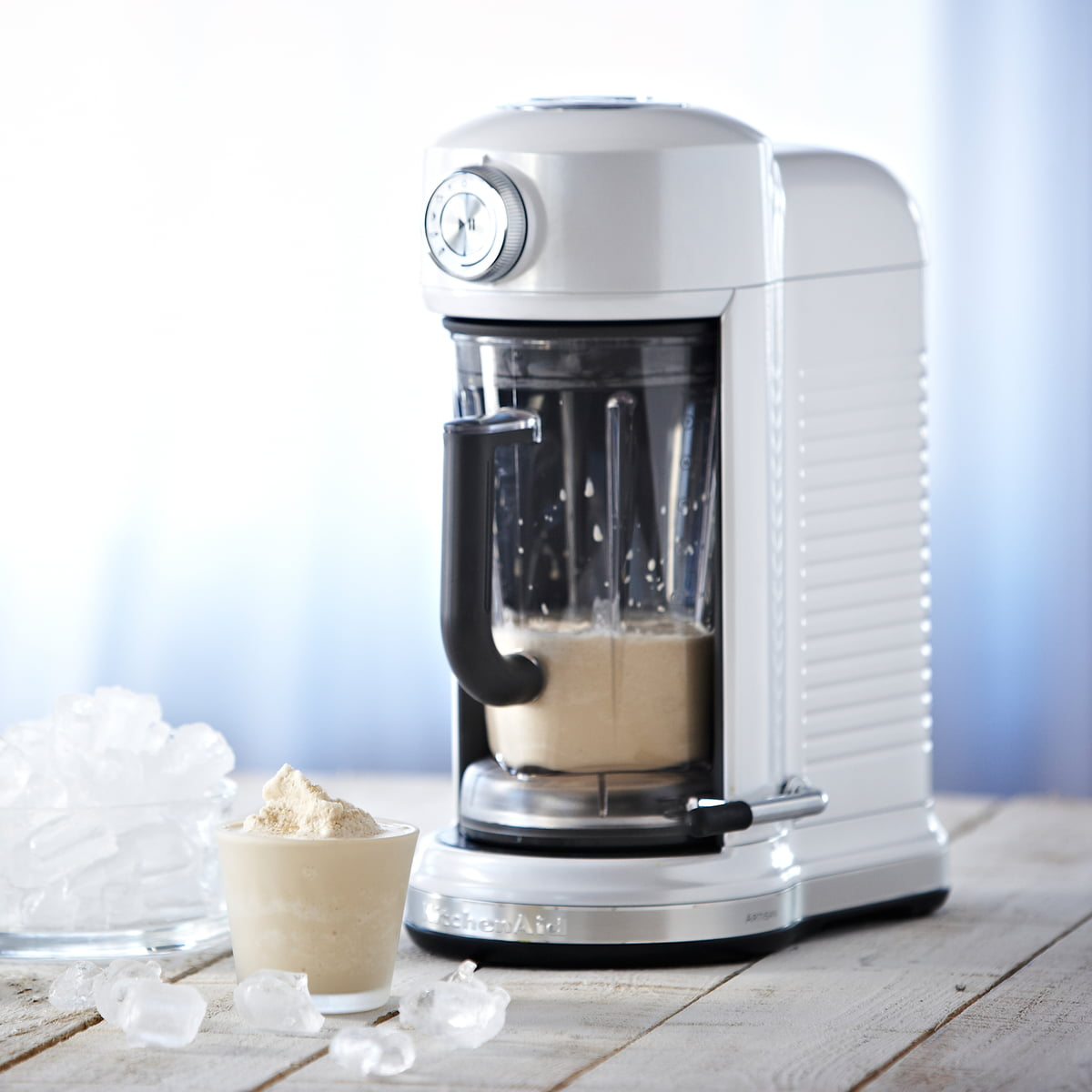 Kitchenaid Artisan Magnetic Drive Blender Creme