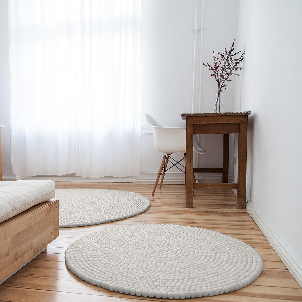 lin a teppich rund von myfelt im shop. Black Bedroom Furniture Sets. Home Design Ideas