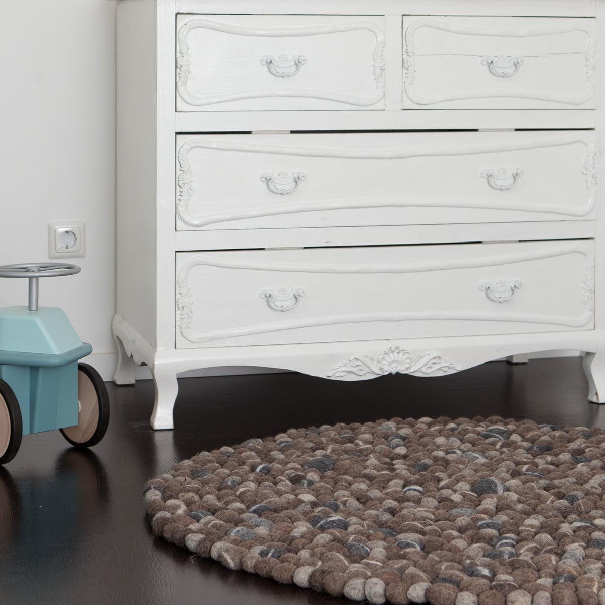 teppich kugeln latest cheap filzkugel teppich selber machen elegant teppich filz teppich. Black Bedroom Furniture Sets. Home Design Ideas