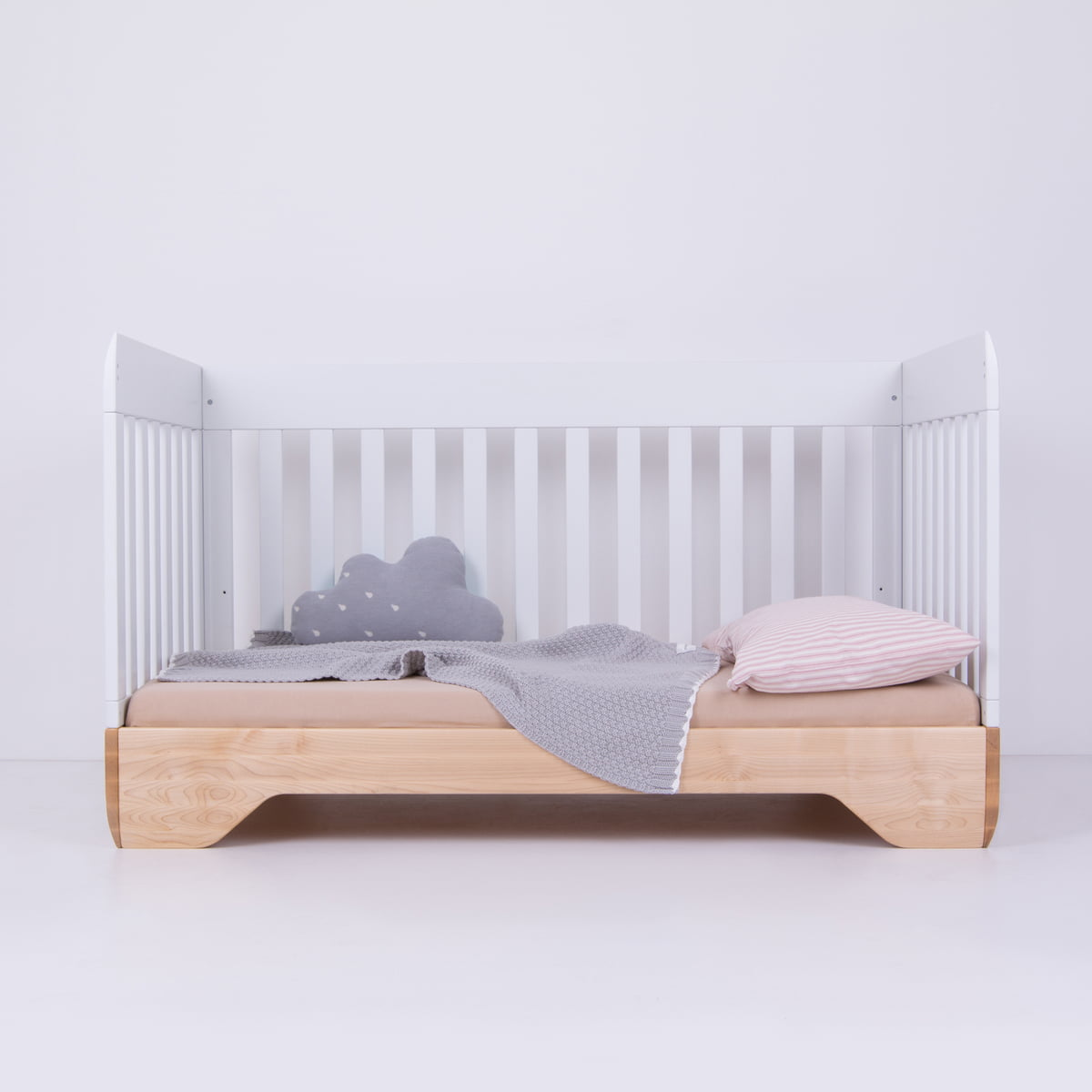 echo baby und kinderbett von kalon im shop. Black Bedroom Furniture Sets. Home Design Ideas
