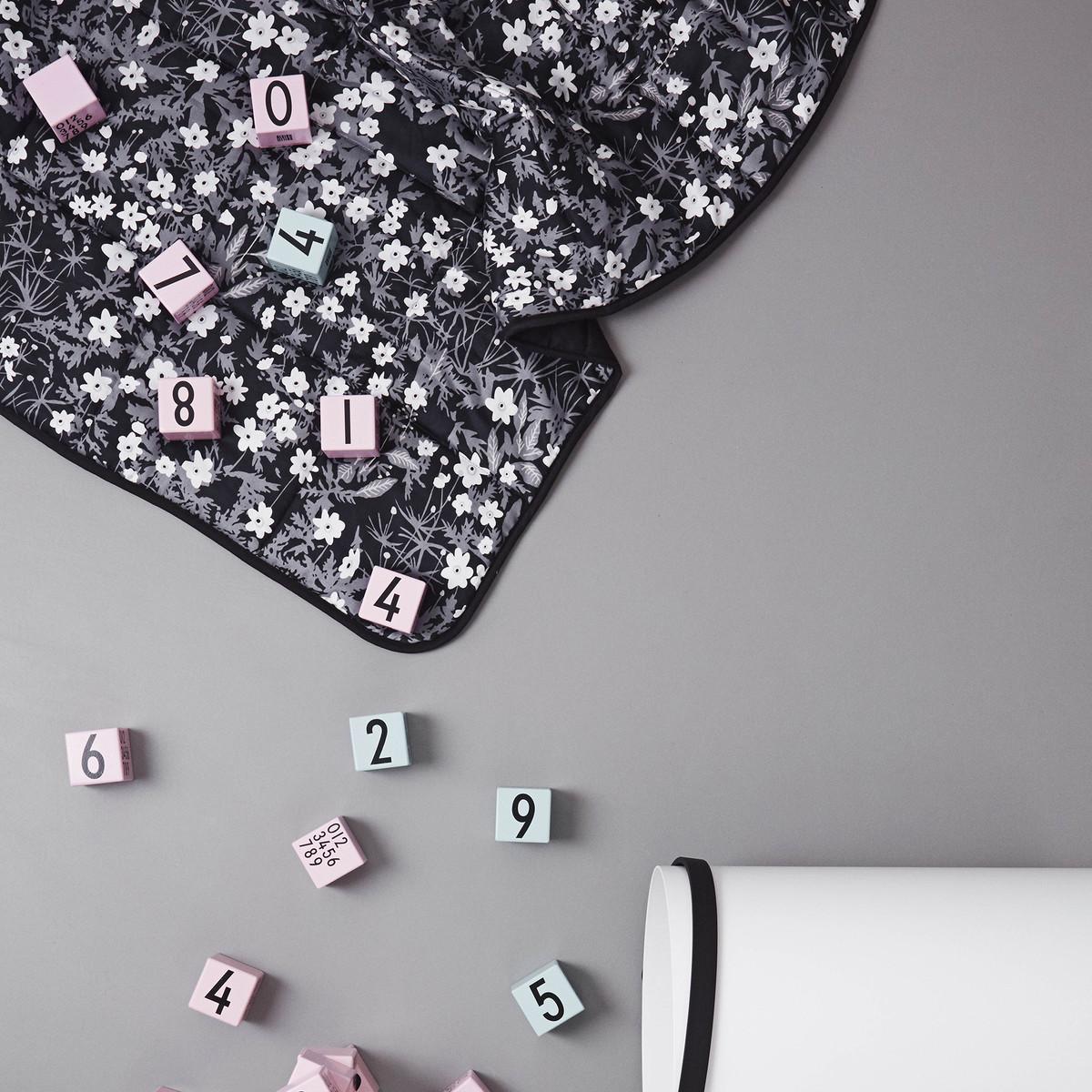 Blumen Tagesdecke Von Design Letters Im Shop