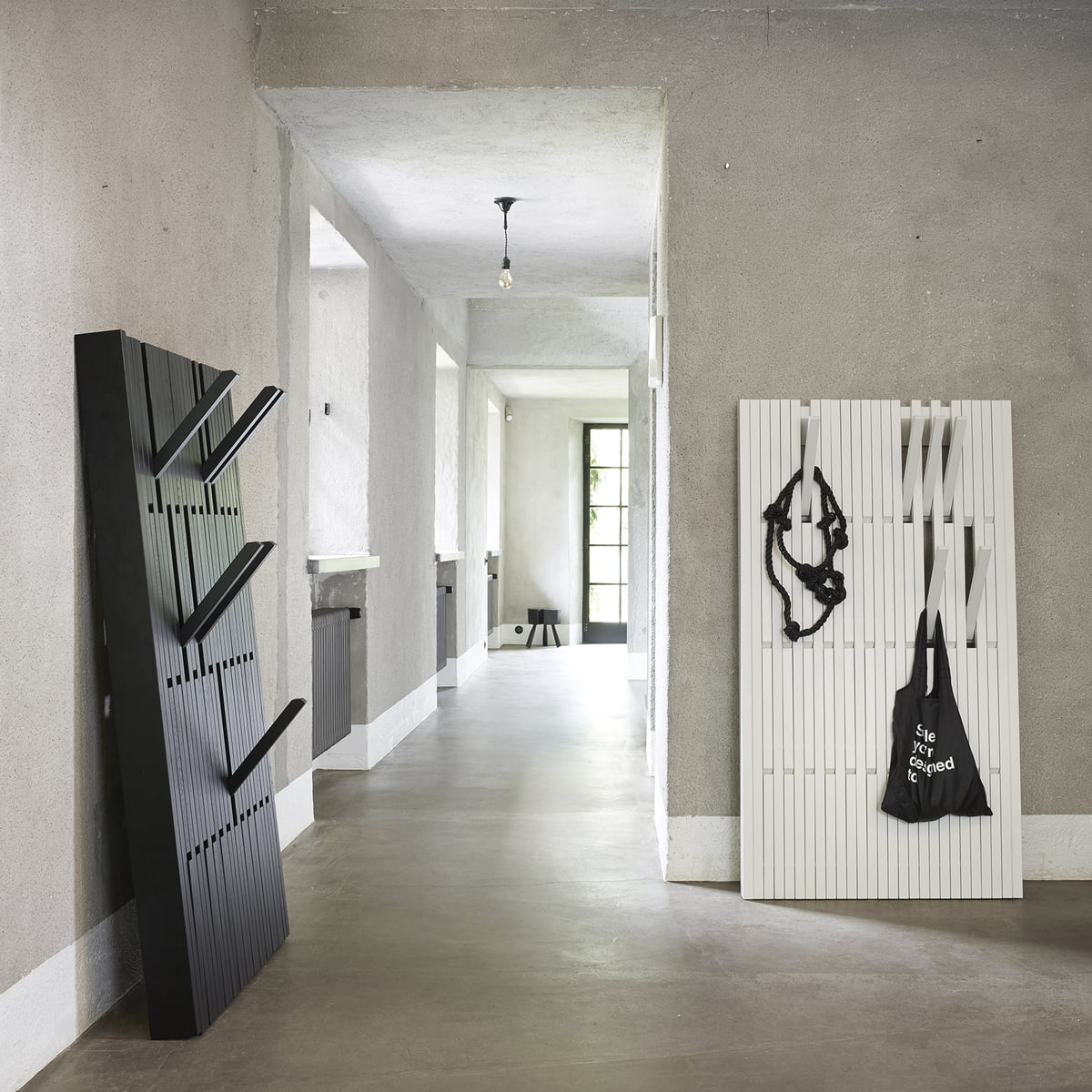 piano garderobe von peruse im shop kaufen. Black Bedroom Furniture Sets. Home Design Ideas