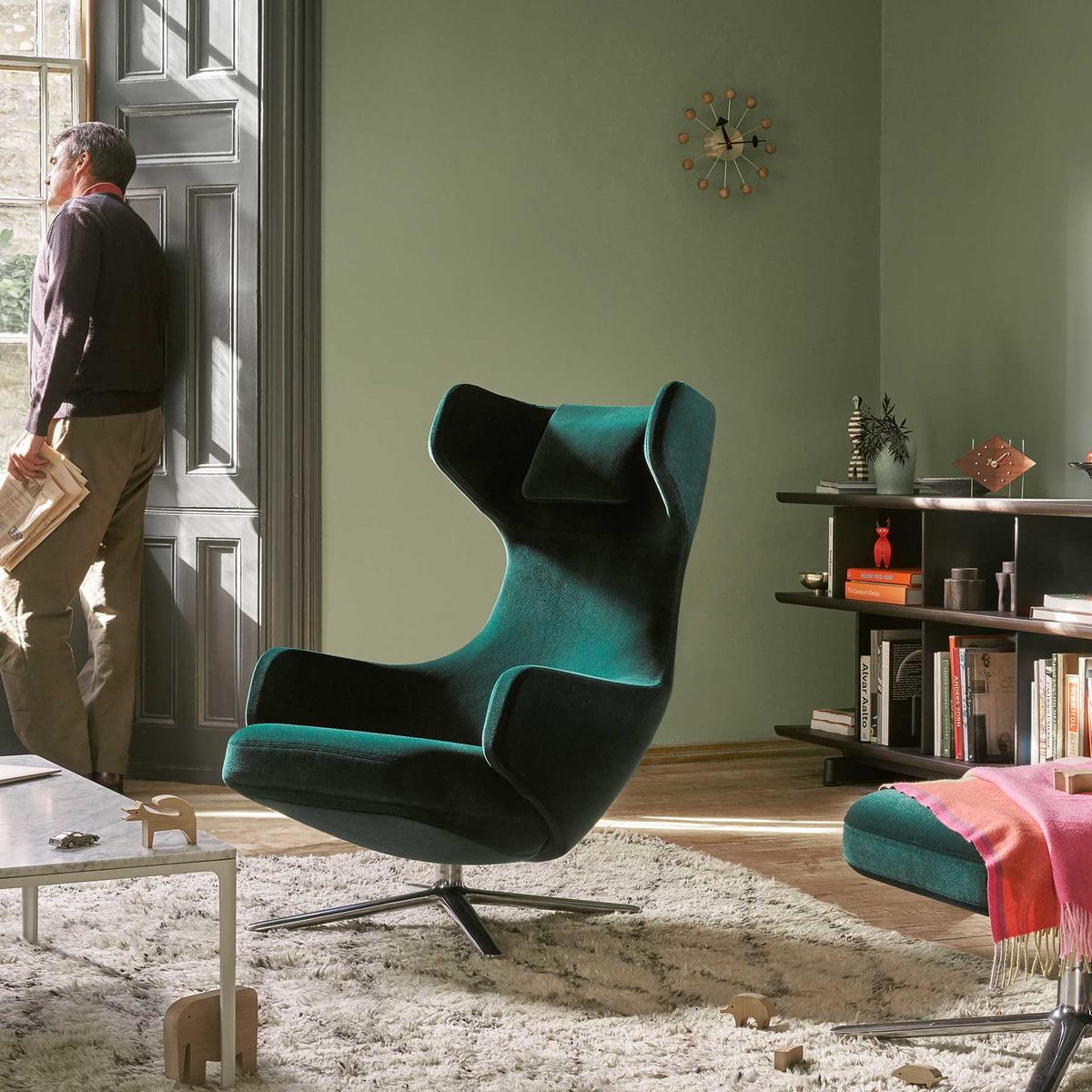 ball clock von vitra connox shop. Black Bedroom Furniture Sets. Home Design Ideas