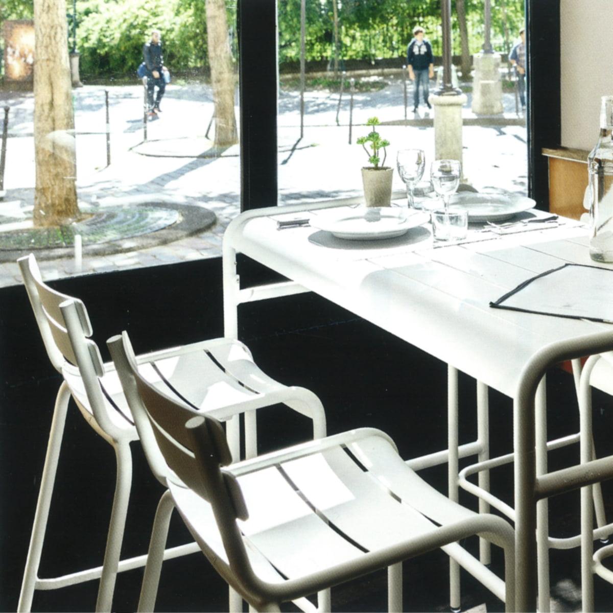 Barhocker Und Tisch luxembourg barhocker fermob connox shop