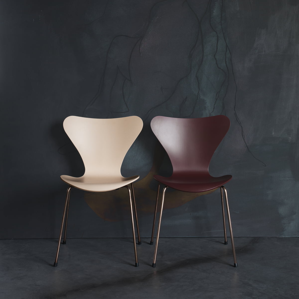 Serie 7 stuhl jubil umseditionen 2017 von fritz hansen for Stuhl design 2017