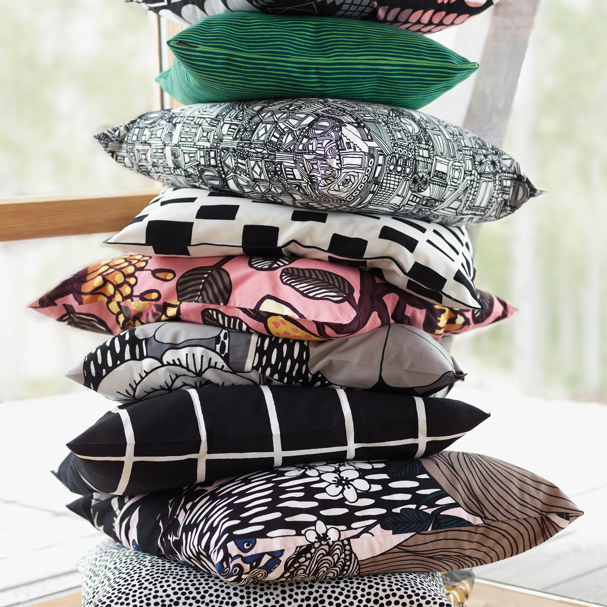 tiara kissenbezug 50 x 50 cm von marimekko. Black Bedroom Furniture Sets. Home Design Ideas