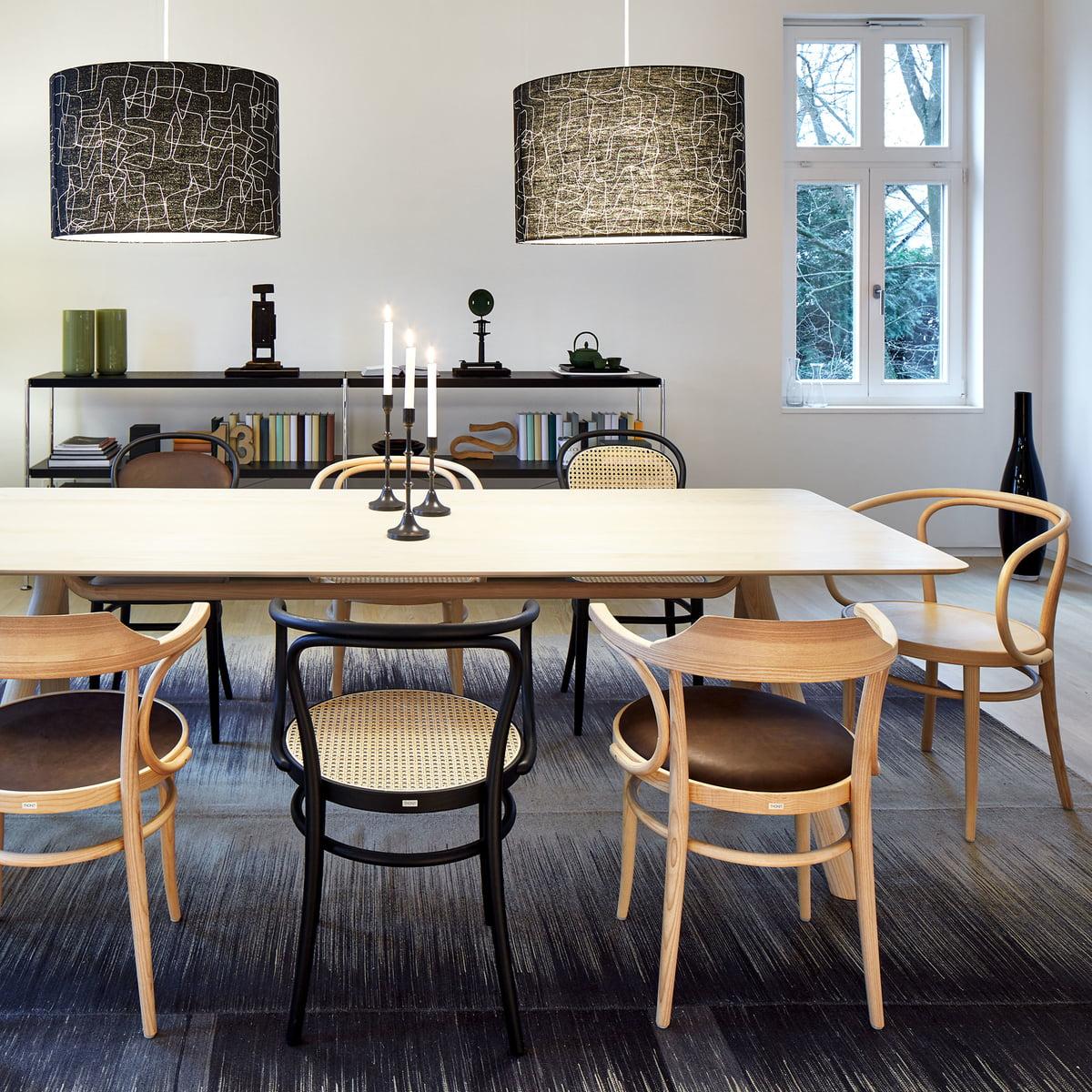 233 bugholzsstuhl von thonet connox shop. Black Bedroom Furniture Sets. Home Design Ideas