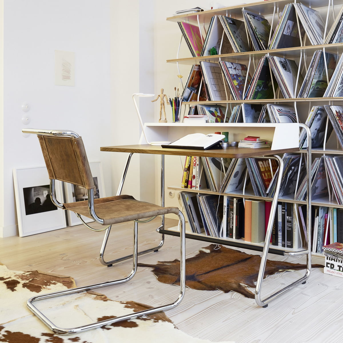 S 1200 sekret r von thonet connox shop for Design lederstuhl