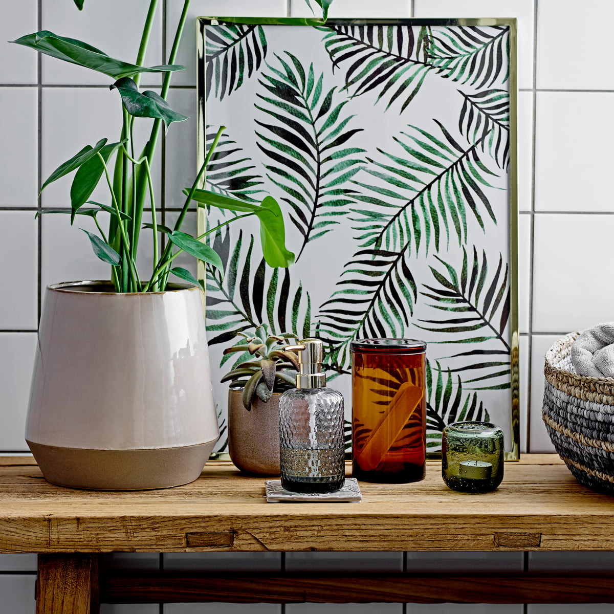 glas seifenspender von bloomingville connox. Black Bedroom Furniture Sets. Home Design Ideas