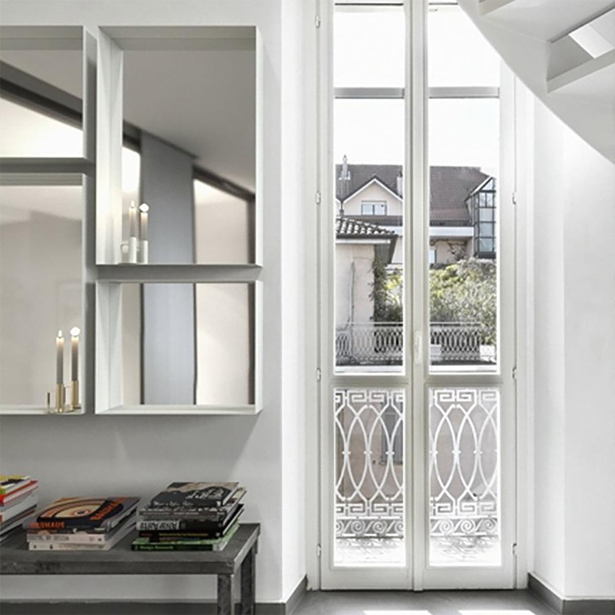 unu wandspiegel mit rahmen von frost connox. Black Bedroom Furniture Sets. Home Design Ideas
