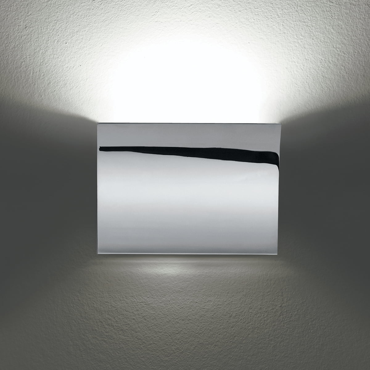 pochette led up down wandleuchte von flos connox. Black Bedroom Furniture Sets. Home Design Ideas