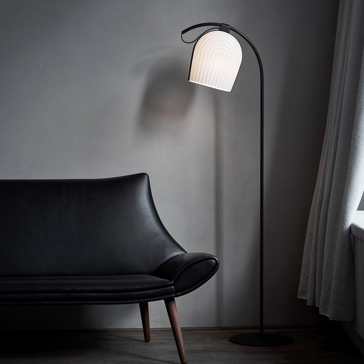 arc stehleuchte von le klint connox. Black Bedroom Furniture Sets. Home Design Ideas