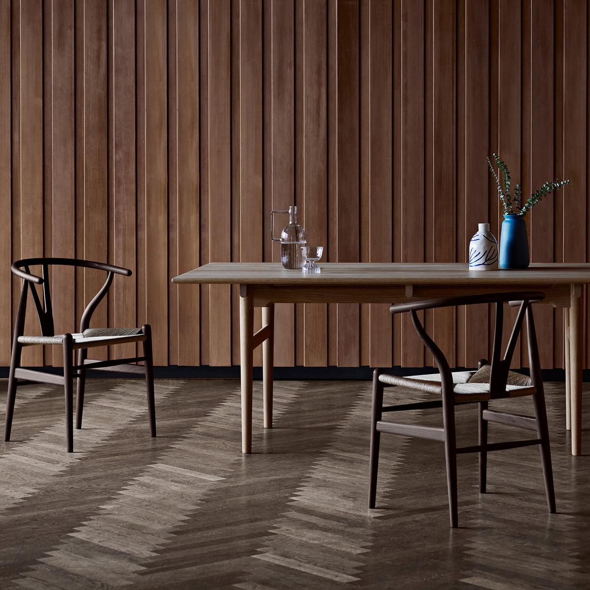 Der Carl Hansen   CH24 Wishbone Chair, Eiche Dunkel / Naturgeflecht