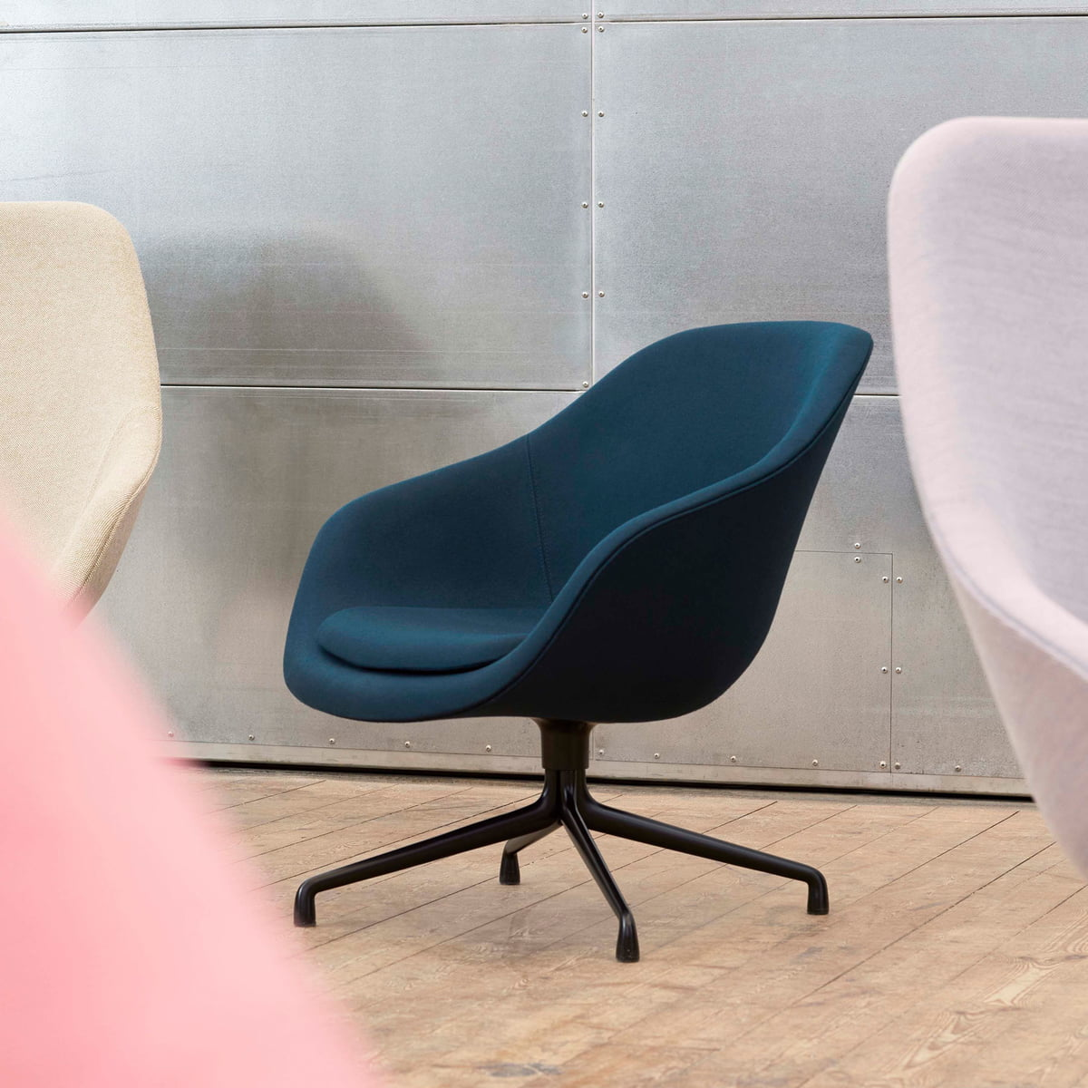 Hay   About A Lounge Chair, Low / AAL 20, Aluminium schwarz / Sierra Leder  schwarz SI20