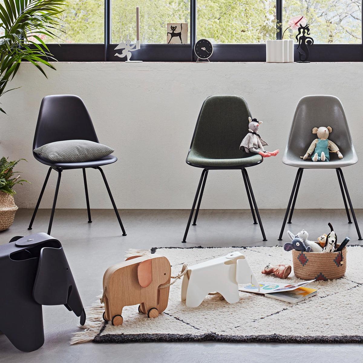 Vitra Eames Plastic Side Chair DSX, tiefschwarz basic dark (Filzgleiter basic dark)