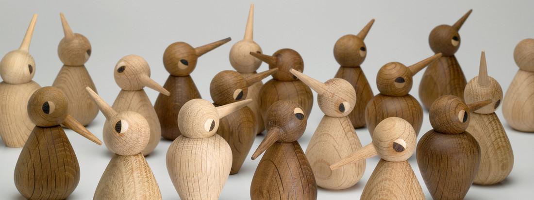 AchitectMade ist unter anderem für seine Holzfiguren bekannt. Die Birds von Kristian Vedel sind in verschiedenen Formen, Größen und Holztönen verfügbar.