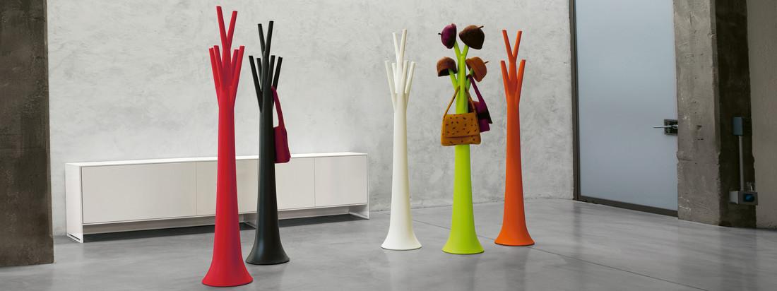Bonaldo ist eine italienischer Design-Marke. Bunt, dekorativ & praktisch - das sind die Tree Kleiderständer, an die Hüte, Taschen und weitere Accessoires gehangen werden können.