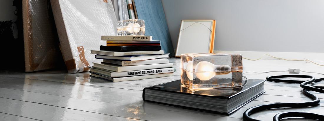 Produkte von Design House Stockholm im Online-Shop kaufen. Die Block Lamp besteht aus einem Glasblock, der aussieht wie Eis, in dem die Glühlampe eingeschlossen ist.