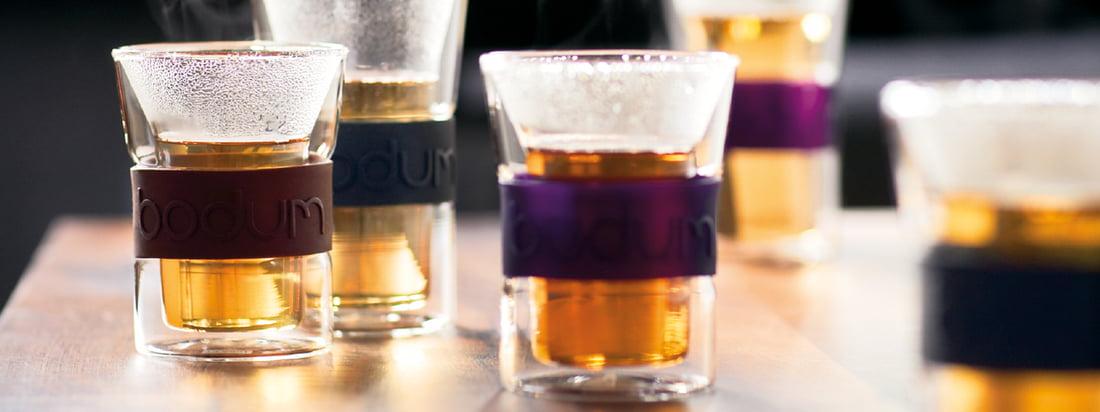 Bodum ist ein bekannter Hersteller für Küchenprodukte. Die doppelwandigen Assam Trinkgläser halten Heißgetränke besonders lange warm & schützen die Hände vor dem Verbrennen.
